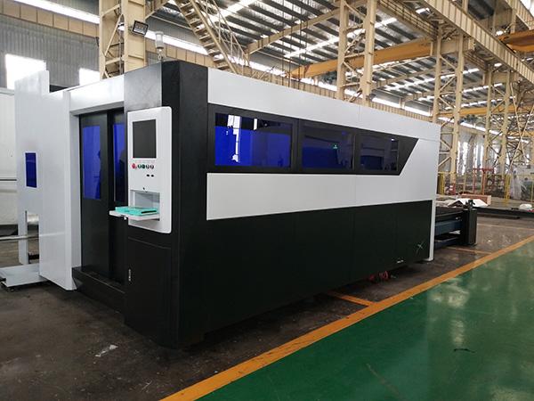 Machine de découpe laser fer 300W 500W 800W 1000W 1500W