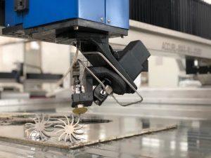 Machine de découpe au jet d'eau 3D avec 5 axes de coupe CNC à jet d'eau à vendre