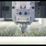 Découpeuse de laser de fibre de précision 700w pour le laser découpant la feuille de cuivre de 2mm