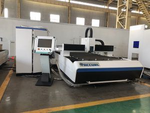 machines de découpe laser pour métaux pour petites entreprises en stock