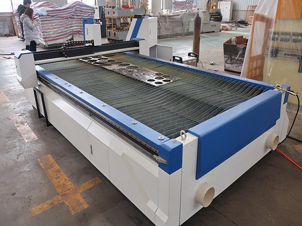 machine de découpage de plasma de commande numérique par ordinateur d'acier au carbone de tôle d'acier au carbone